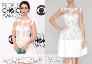 2014 People's Choice Awards: Adelaide Kane's White Lace Dress