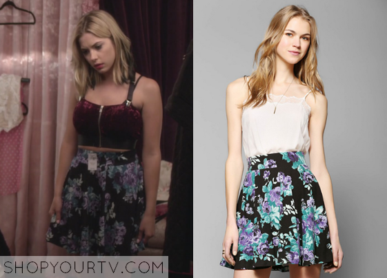 ad4552419d3 Pretty Little Liars  Season 5 Episode 4 Hanna s Floral Skater Skirt