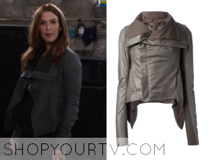 Unforgettable: Season 3 Episode 5 Carrie's Grey Leather Jacket