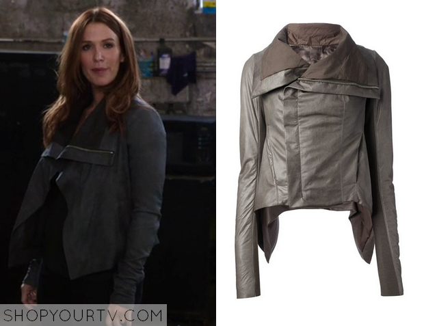 carrie wells grey jacket