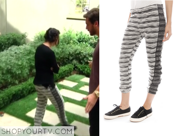 ... season 9 episode 11 kourtneys striped leggings kuwtk season 9 episode  11 kourtneys striped leggings; kaktth season 1 episode 6 kourtneys black  sneakers