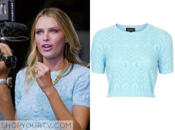 sara blue cropped sweater