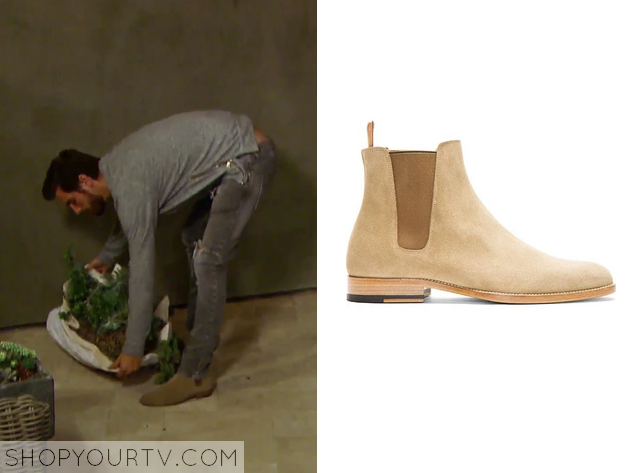 They are the Saint Laurent Tan Suede Chelsea Boots. Sold Out. 5b31252a8