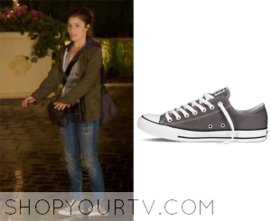 UnREAL: Season 1 Episode 1 Rachel's Charcoal Sneakers