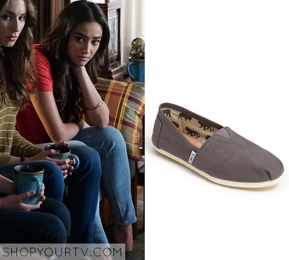 6x08 PLL Emily Field Slip on Shoes