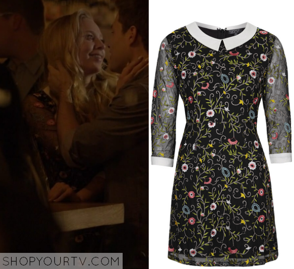 1x01 Mr Robot Angela's Floral Dress