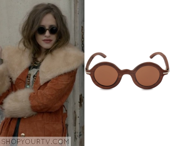 1x01 Mr Robot Darlene's Sunglasses