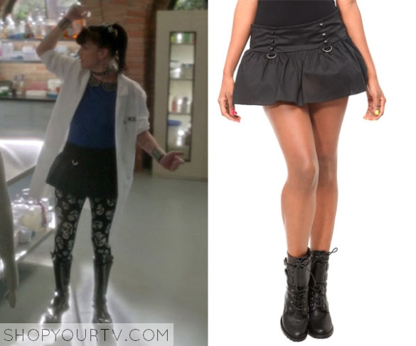 NCIS1019_AbbyOutfit02