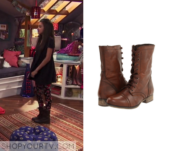 1x01 Bella and the Bulldogs Sophies Combat Boots