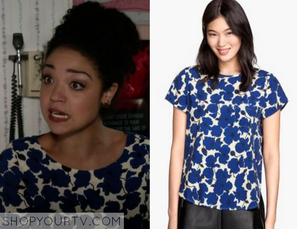 2x13 Chasing Life Beth Blue Floral Top