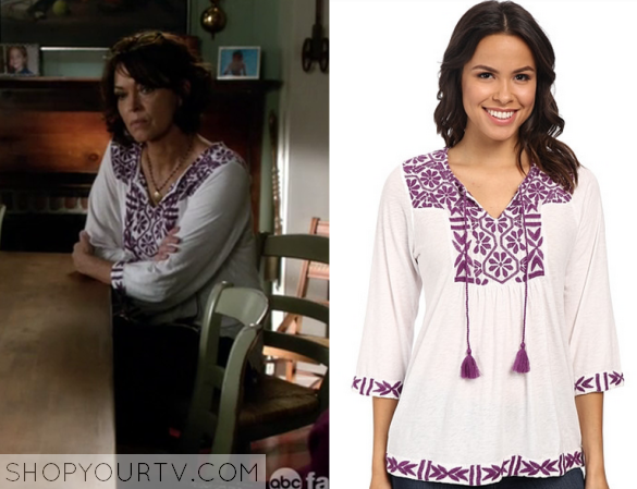 2x13 Chasing Life Saras Embroidered Top