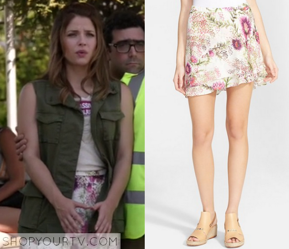 1x8 Kevin From Work Audreys Floral Skirt