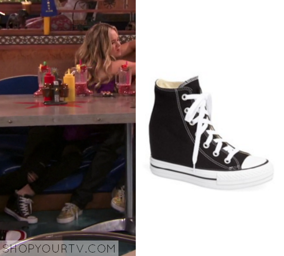 2x1 Bella and the Bulldogs Converse Sneakers