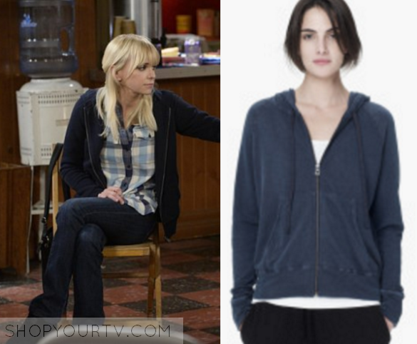 14521fc03a4 Mom  Season 3 Episode 9 Christy s Blue Hoodie