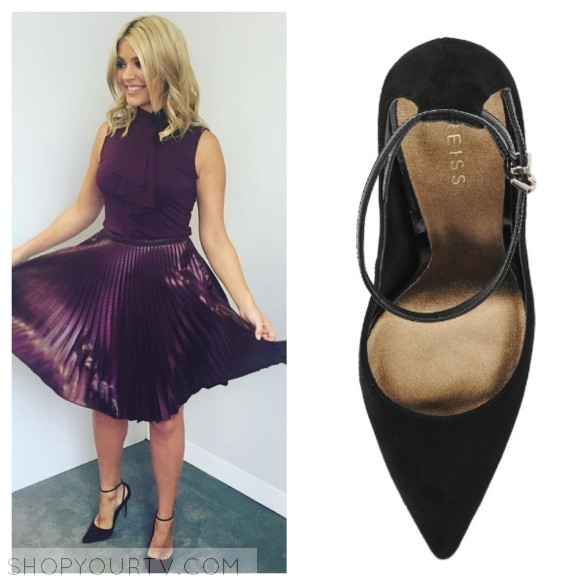 holly willoughby's black suede pumps