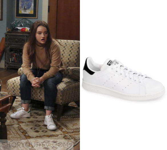 Last Man Standing: Season 6 Episode 10 Eve's White Sneaker