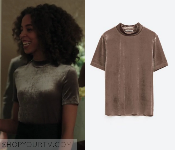 Riverdale Fashion Clothes Style and Wardrobe worn on TV Shows