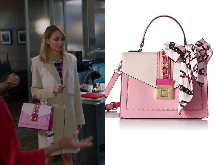 Portia Scott Griffith Nicole Richie Wears This Pink Flap Tote Bag In Episode Of Great News Sensitivity Traning