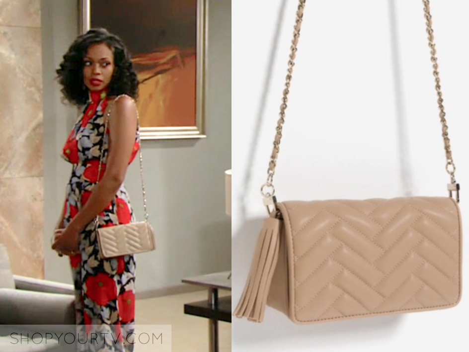 hilary's beige quilted bag, the young and the restless, mishael morgan, wardrobe, fashion, outfit, style, clothes