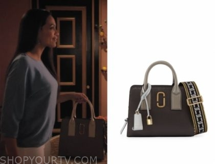 "e98731f3d353 Jane Ramos (Rosario Dawson) wears this leather handel satchel tote bag in  this episode of Jane The Virgin, ""Chapter Ninety""."
