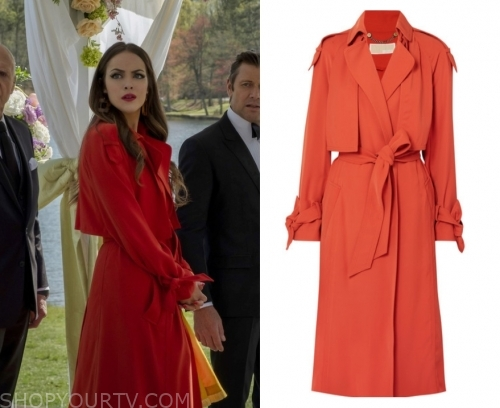 Dynasty Fashion, Clothes, Style and Wardrobe worn on TV