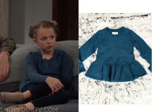 Life in Pieces: Season 4 Episode 9 Sophia's Heart Sweater