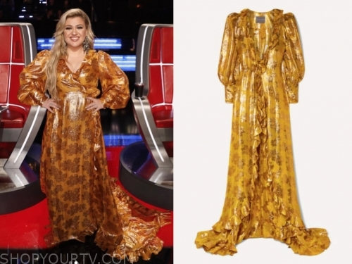 kelly clarkson's gold printed metallic gown