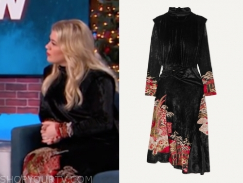kelly clarkson's black velvet dress