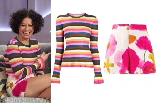 ilana glazer, rainbow stripe sweater, floral shorts, the kelly clarkson show