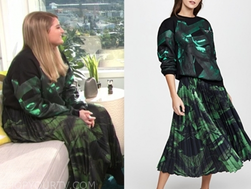 meghan trainor, green and black brushstroke sweater and skirt, E! news, daily pop