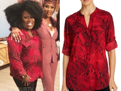 sheryl underwood, red and black snakeskin blouse, the talk