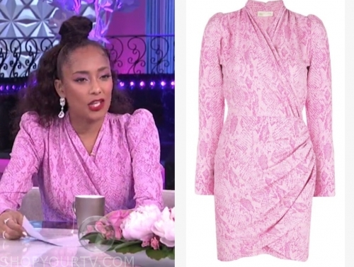 amanda seales, the real, pink snakeskin dress