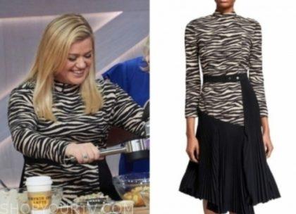the kelly clarkson show, kelly clarkson, zebra pleated dress