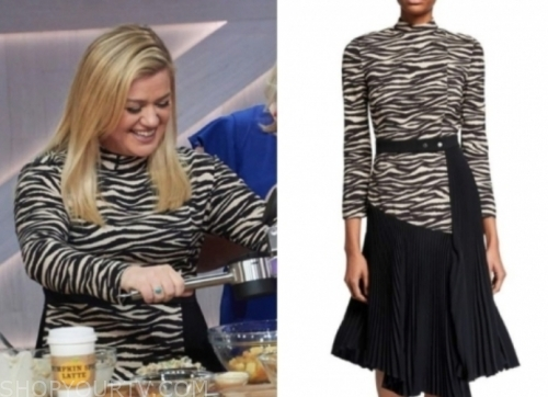 the kelly clarkson show, kelly clarkson, zebra pleated dress