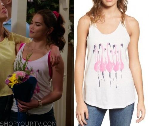 Alexa & Katie Fashion, Clothes, Style and Wardrobe worn on