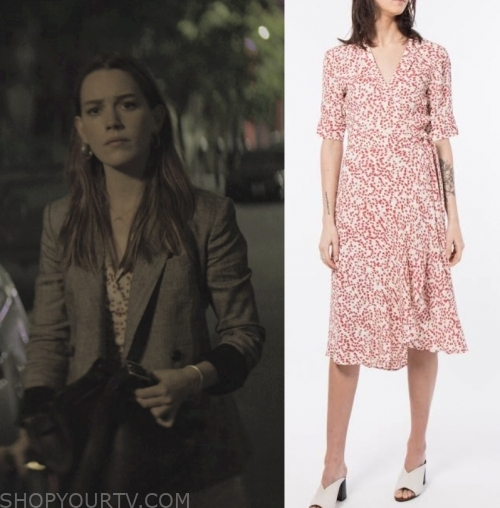 You Netflix Fashion Clothes Style And Wardrobe Worn On Tv Shows Shop Your Tv