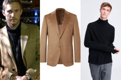 peter weber, the bachelor, black turtleneck, camel blazer