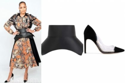 amanda seales, black waist belt, black pumps, the real