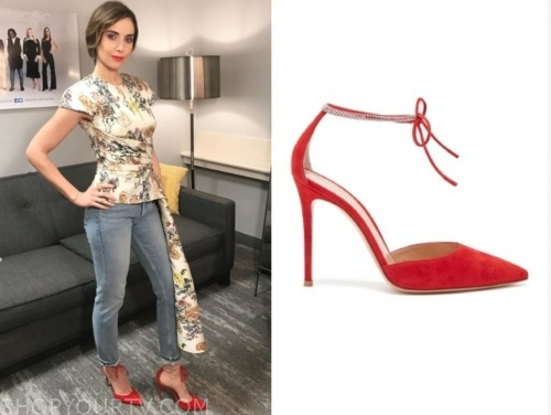 alison brie, red heels, the view