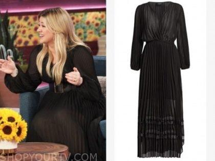 kelly clarkson, black pleated maxi dress, the kelly clarkson show