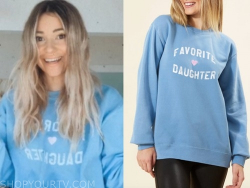mykenna dorn, the bachelor, blue sweatshirt