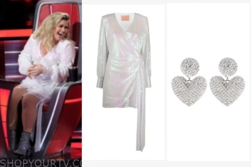 the voice, kelly clarkson, sequin drape dress, heart earrings