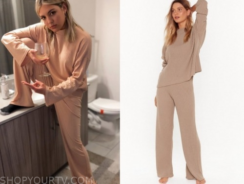 giannina gibelli, love is blind, beige ribbed sweater and pants set