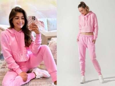hannah ann sluss, the bachelor, pink hoodie and sweatpants