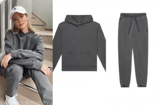 hannah godwin, the bachelor, grey hoodie and sweatpants