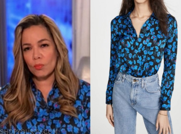 sunny hostin, the view, blue floral blouse