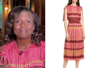 deborah roberts, good morning america, pink pleated midi dress