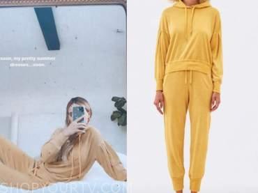 amanda stanton, the bachelor, yellow hoodie and sweatpants