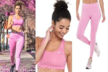 lesley murphy, pink sports bra and leggings, the bachelor