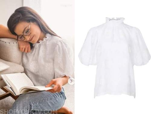 caila quinn, the bachelor, white embroidered mock neck top